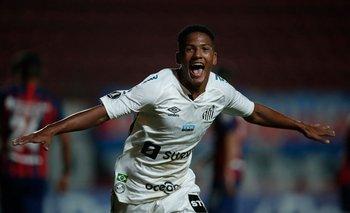 Angelo Gabriel, el pibe de 16 años que marcó un récord en la Libertadores.