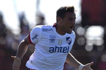 Bergessio celebra el 1-0