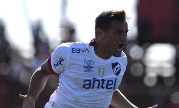 Gonzalo Bergessio celebra el último gol de la temporada 2020