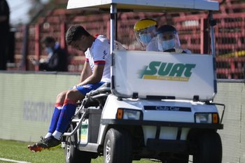 Oliveros se retira lesionado