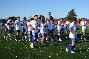 El 7 de abril Nacional le ganó 1-0 a Rentistas en el Complejo de los rojos y fue campeón Uruguayo