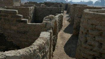 La antigua ciudad fue encontrada cerca de conocidos monumentos egipcios.