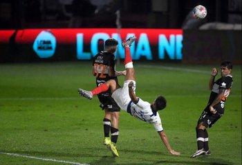 El golazo de Gabriel Rojas para San Lorenzo ante Platense