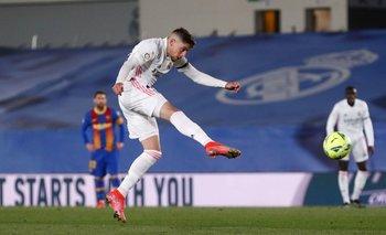 Federico Valverde de Real Madrid ante Barcelona
