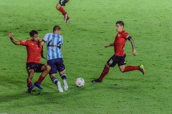 Este fue el penal que se pitó en el final del clásico entre Racing e Independiente