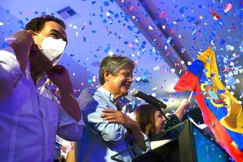 Guillermo Lasso celebrando el triunfo en Ecuador