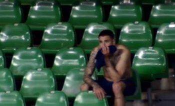 Josema Giménez en la tribuna de la cancha de Betis tras el empate