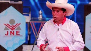 Pedro Castillo es el candidato de Perú Libre, un partido que se define de izquierda marxista.