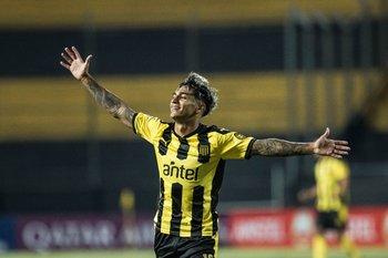 Facundo Torres, golazo para el 2-1