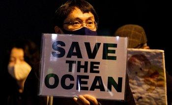 Manifestantes protestan en Japón por decisión del gobierno  de verter residuos nucleares al mar