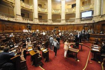 El impuesto fue aprobado con votos de todos los partidos