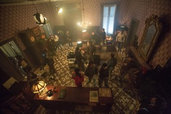 Set de la 1ra temporada de El Hipnotizador (HBO) filmada en Montevideo en 2016.