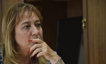 La ministra de Vivienda y Ordenamiento Territorial en su despacho