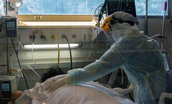 El número de muertes por coronavirus en Uruguay se mantiene por encima de 15 cada día por millón de habitantes
