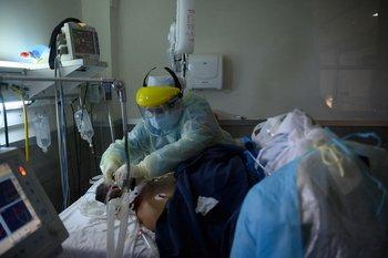 Qué dice el último informe epidemiológico sobre los casos en CTI y la mortalidad.