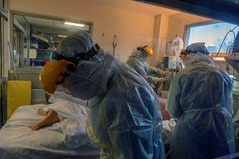 Uruguay es desde hace 22 días el país con mayor cantidad de fallecidos por covid-19 del mundo
