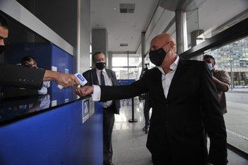 Edgardo Novick ingresó a la Torre Ejecutiva sobre las 16.30 horas para la reunión  con el presidente