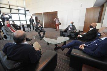 Reunión de líderes de los partidos políticos que integran la coalición multicolor en la Torre Ejecutiva