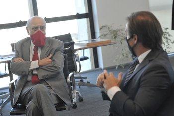 Julio María Sanguinetti y Luis Lacalle Pou durante la cumbre de líderes de la coalición en abril