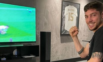 Valverde observando el partido del Real, este miércoles