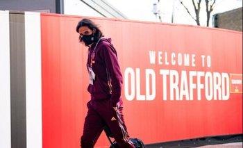 Cavani llegando al estadio de Old Trafford