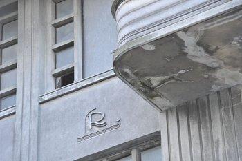 Fachada del Rambla Hotel sobre la Plaza Gomensoro