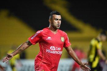 Liliu, el hombre gol del equipo peruano