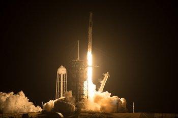 Lanzamiento de la segunda misión tripulada de la cápsula Dragón