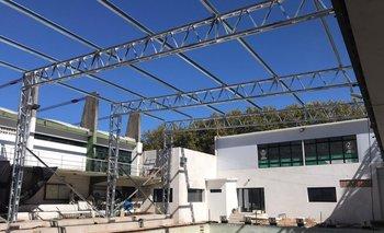 Plaza Colonia inició el techado de su piscina de 25 metros