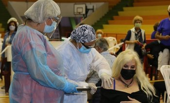 Susana Giménez recibió este sábado la primera dosis de la vacuna