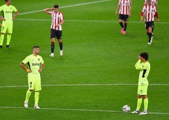 Suárez brazos en jarra, Joao Félix se cubre el rostro: Atlético cayó en Bilbao