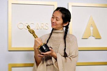 Chloe Zhao es la segunda mujer en la historia de los Oscar en ganar a Mejor dirección
