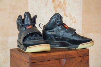 Las Nike Air Yeezy 1