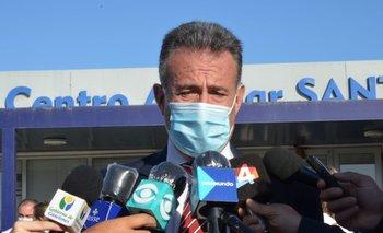Daniel Salinas en nuevo vacunatorio en Santa Lucía