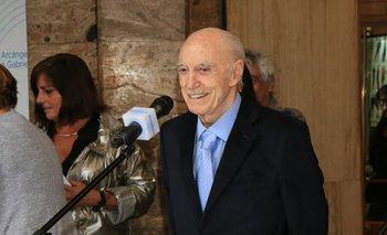 El locutor argentino Cacho Fontana, conocido por programas como Odol pregunta y La campana de cristal