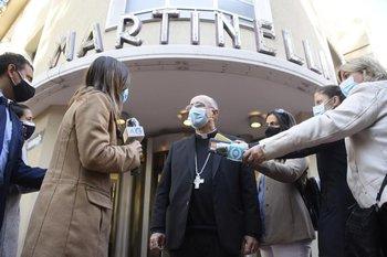 El cardenal Daniel Sturla fue al velatorio de Gonzalo Aguirre, en Martinelli.