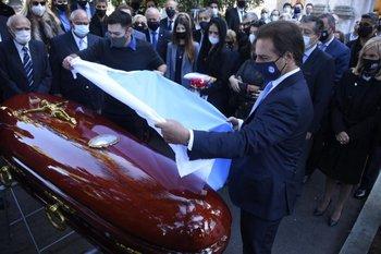 Lacalle Pou en el entierro de Gonzalo Aguirre