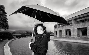 Pilar Quintana, autora de Los abismos, el más reciente ganador del premio Alfaguara