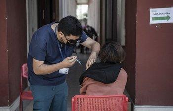 Al momento, el país vacunó a más del 82% de la población objetivo, que son más de 15 millones de personas