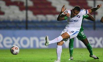 Zurdazo de Bergessio para el primer gol