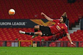 Edinson Cavani continúa en Manchester United hasta el final de la temporada 2021-2022