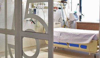 Cama de cuidados intensivos