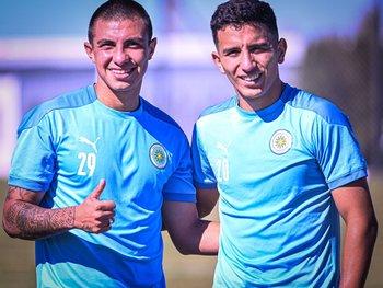 Axel Pérez y Santiago Cartagena en su primer entrenamiento en Montevideo City Torque