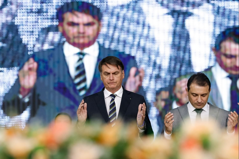 Destituye Bolsonaro a militar de su gabinete