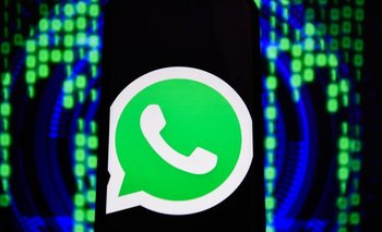 Whatsapp reveló el lunes que piratas informáticos consiguieron instalar un software con un sistema de vigilancia remota en algunos teléfonos celulares