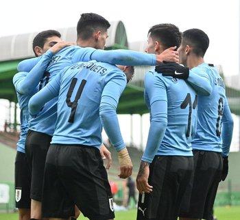 Festejo de uno de los goles de Uruguay