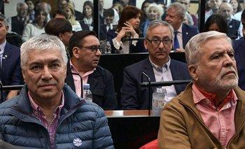 El empresario Lázaro Báez junto al exministro de Planificación de argentina Julio De Vido y la expresidenta Cristina Fernández en un juicio oral en mayo de 2019