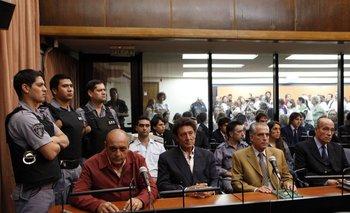 Sentencia en la corte de Buenos Aires a los exagentes de la agencia de inteligencia argentina SIDE y al exgeneral del Ejército de Argentina Eduardo Rodolfo Cabanillas, en 2011