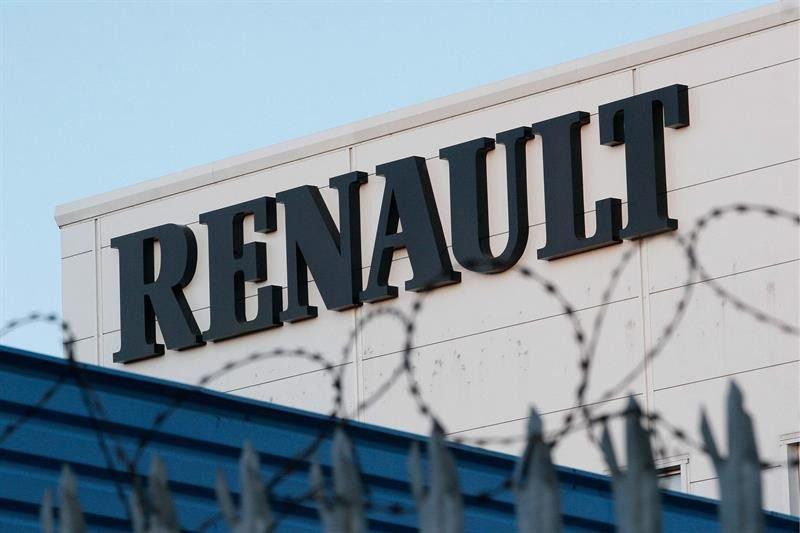 Fiat Chrysler espera sinergias de 5.000 millones tras fusionarse con Renault