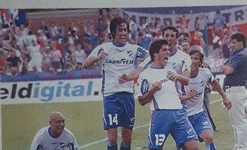 El grito de Suárez, junto a Palillo Vanzini, Pallas, Alberto Silva y Romero